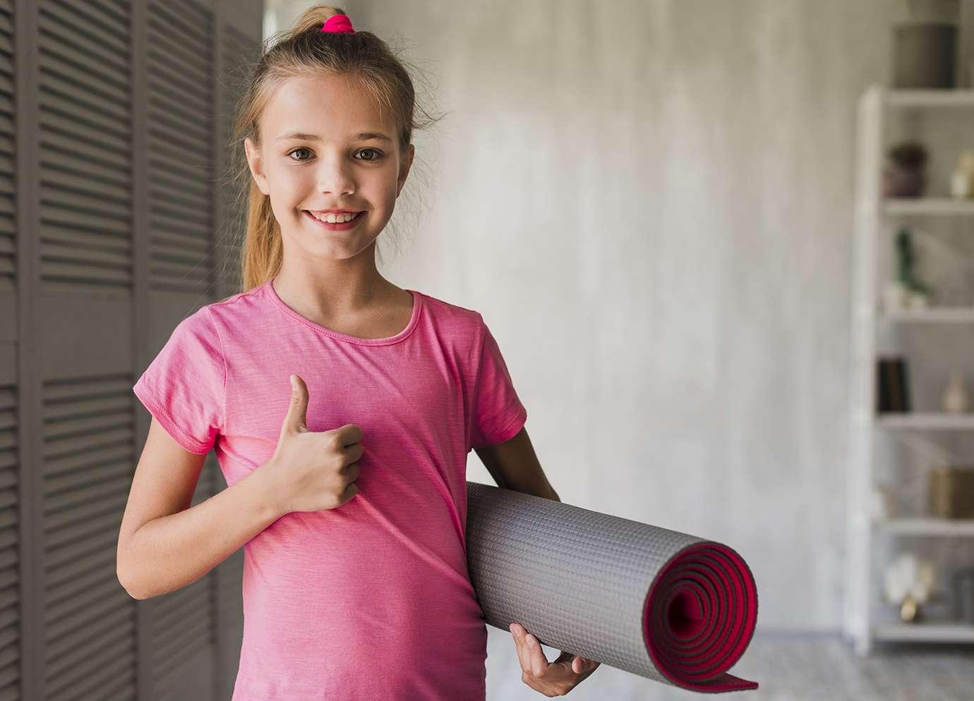 Un enfant qui se prépare à faire du sport